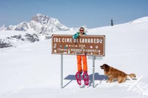 Alcanzando Tri Cime di Lavadero en los Dolomitas, Italia