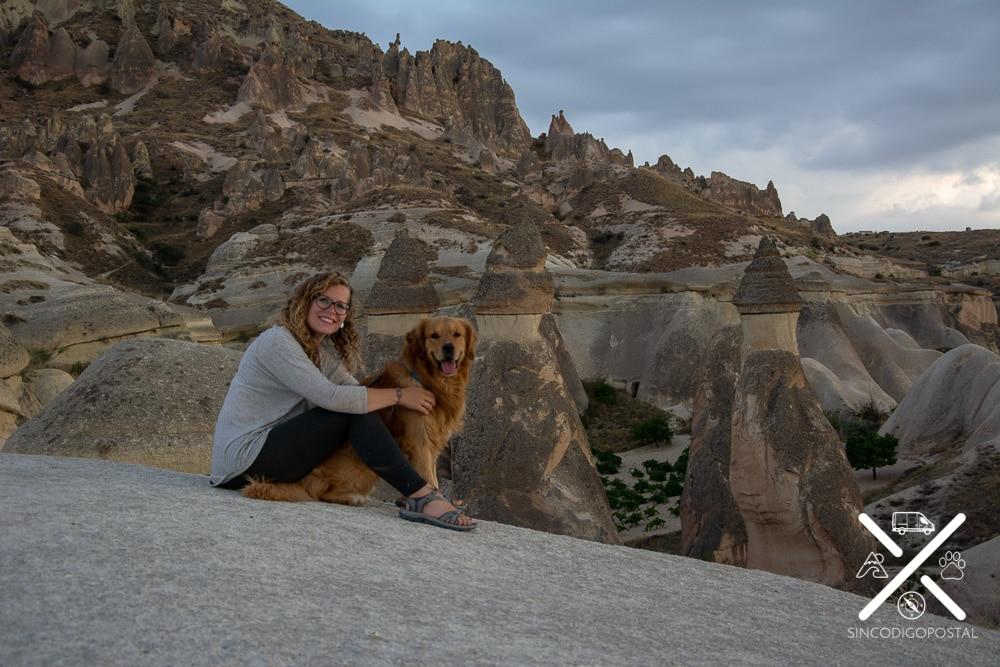 Disfrutando de las vistas en Capadocia, Turquía