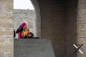 Llama central en el Templo del Fuego