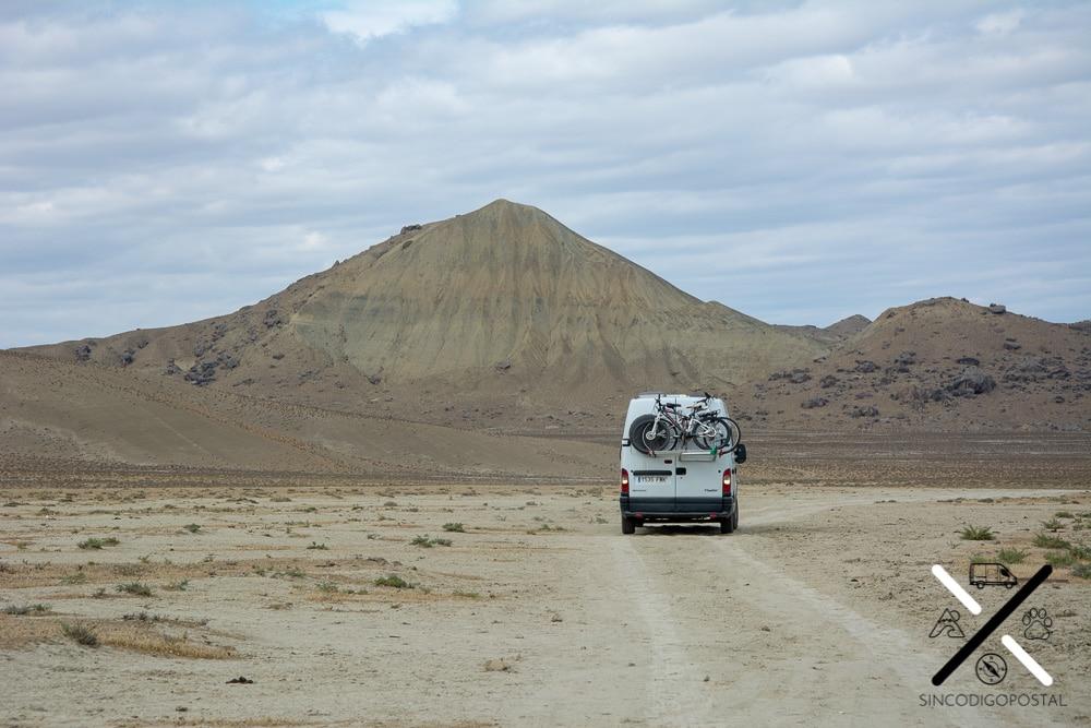 Paisaje desértico del Gobustán, en Azerbaiyán