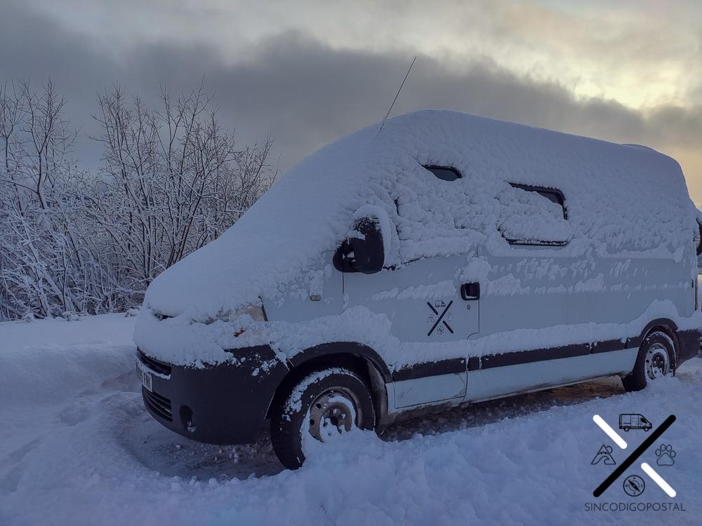 Días muy fríos en la ciudad de Tromso, donde es obligatorio ruedas de invierno