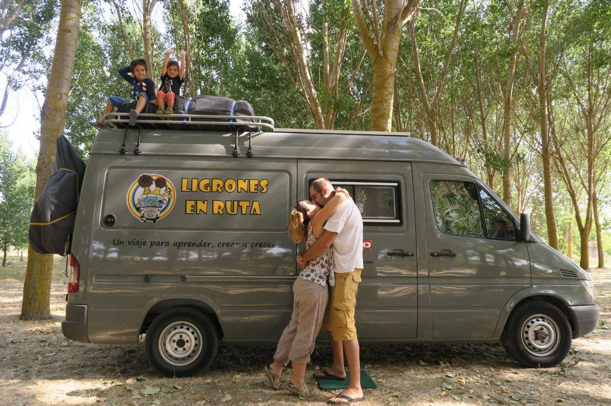 La gran familia de furgoneteros de Ligrones en Ruta