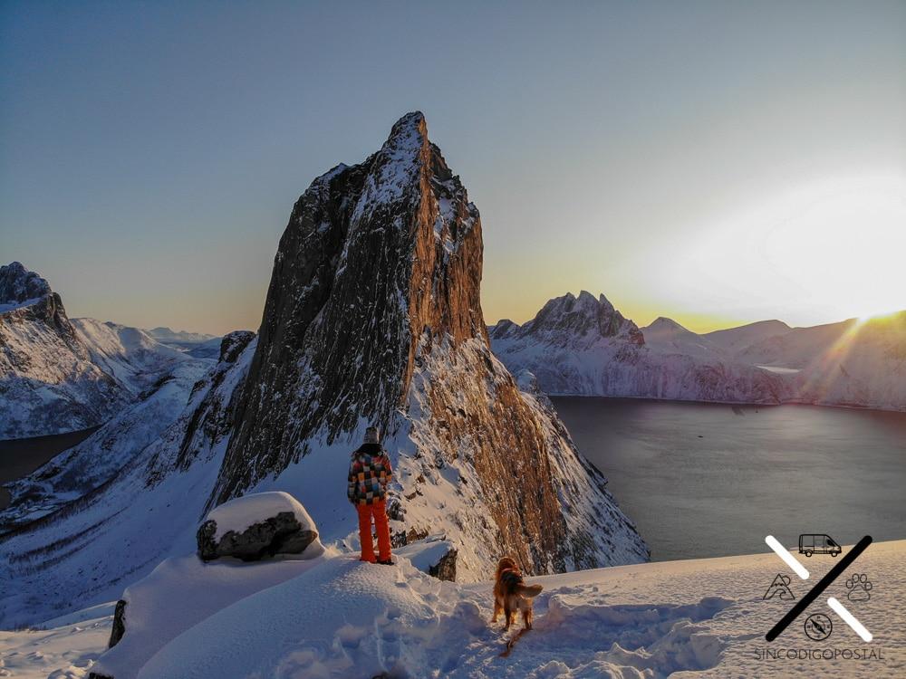 Trekking en Noruega con perro