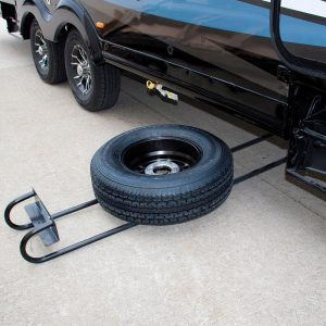 Rueda de repuesto situada en los bajos de una autocaravana