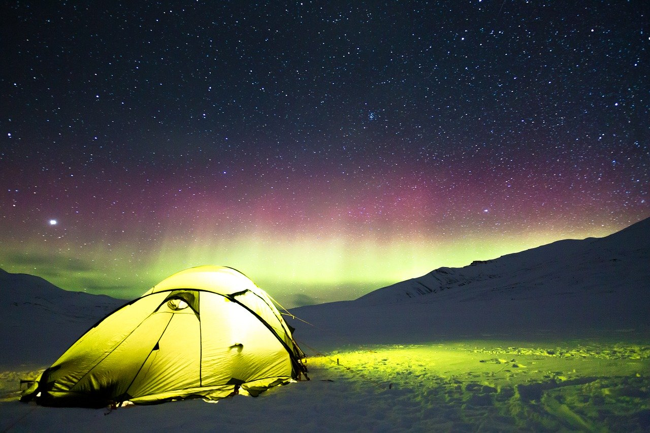 Auroras boreales en plena naturaleza