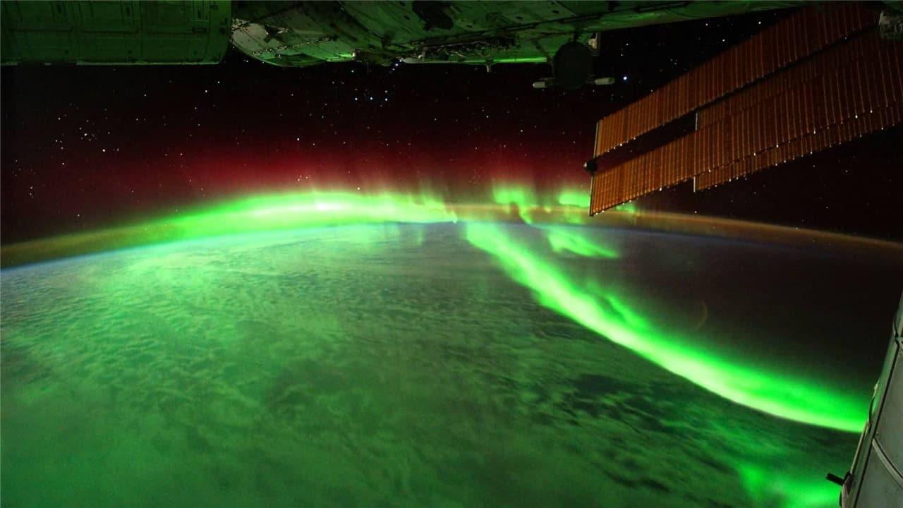Una aurora boreal vista desde un satélite