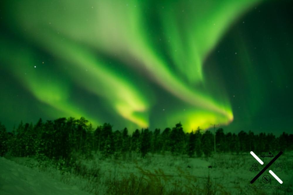 La aurora boreal era impresionante, pero la imagen nos quedó desenfocada