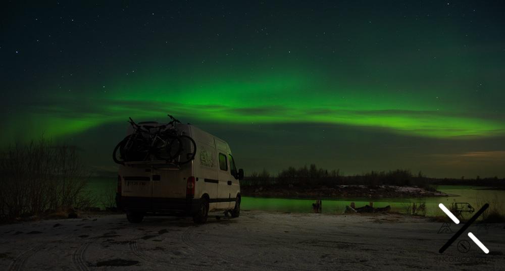 A veces las auroras boreales son nubes verdes. Recordar, las fotos se ven siempre más intensas que la realidad