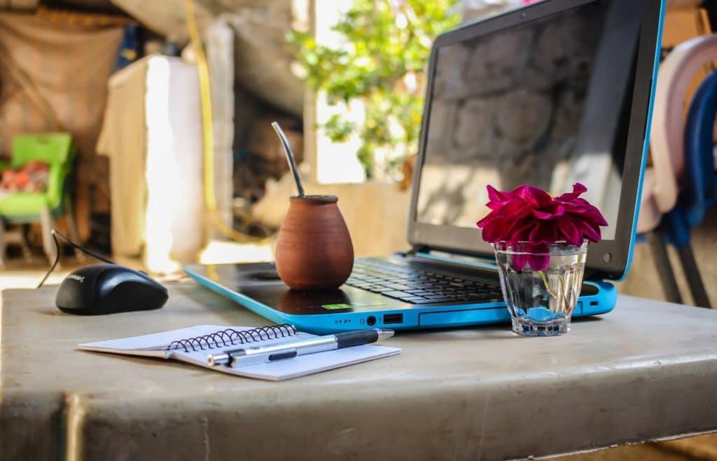 Un portatil y una conexión wifi es todo lo que necesitas