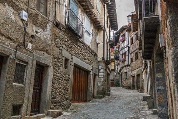 Calle empinada en La Alberca