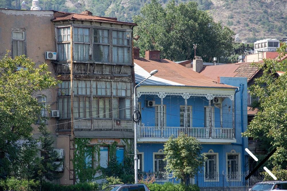 La arquitectura de edificios antiguos de Tblisi