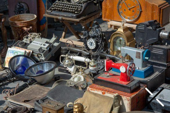 Objetos de segunda mano en el mercadillo de Tblisi