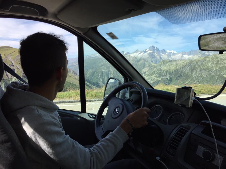 Conduciendo por Suiza