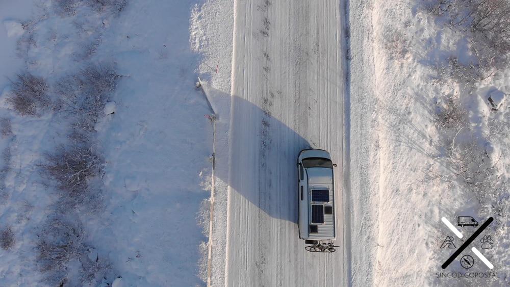 Conducimos por carreteras totalmente heladas