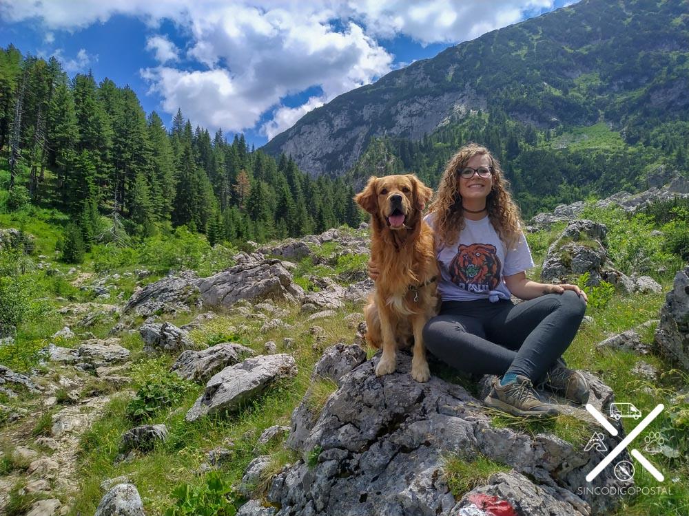 Rocío y Cuzco en Kosovo
