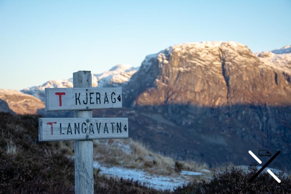 Señal de la ruta hacia el Kjerag