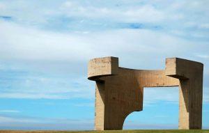 Obra de Chillida el Elogio del Horizonte en Gijón
