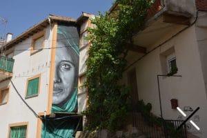 El primer mural de Garcibuey al entrar al pequeño pueblo con este proyecto tan original