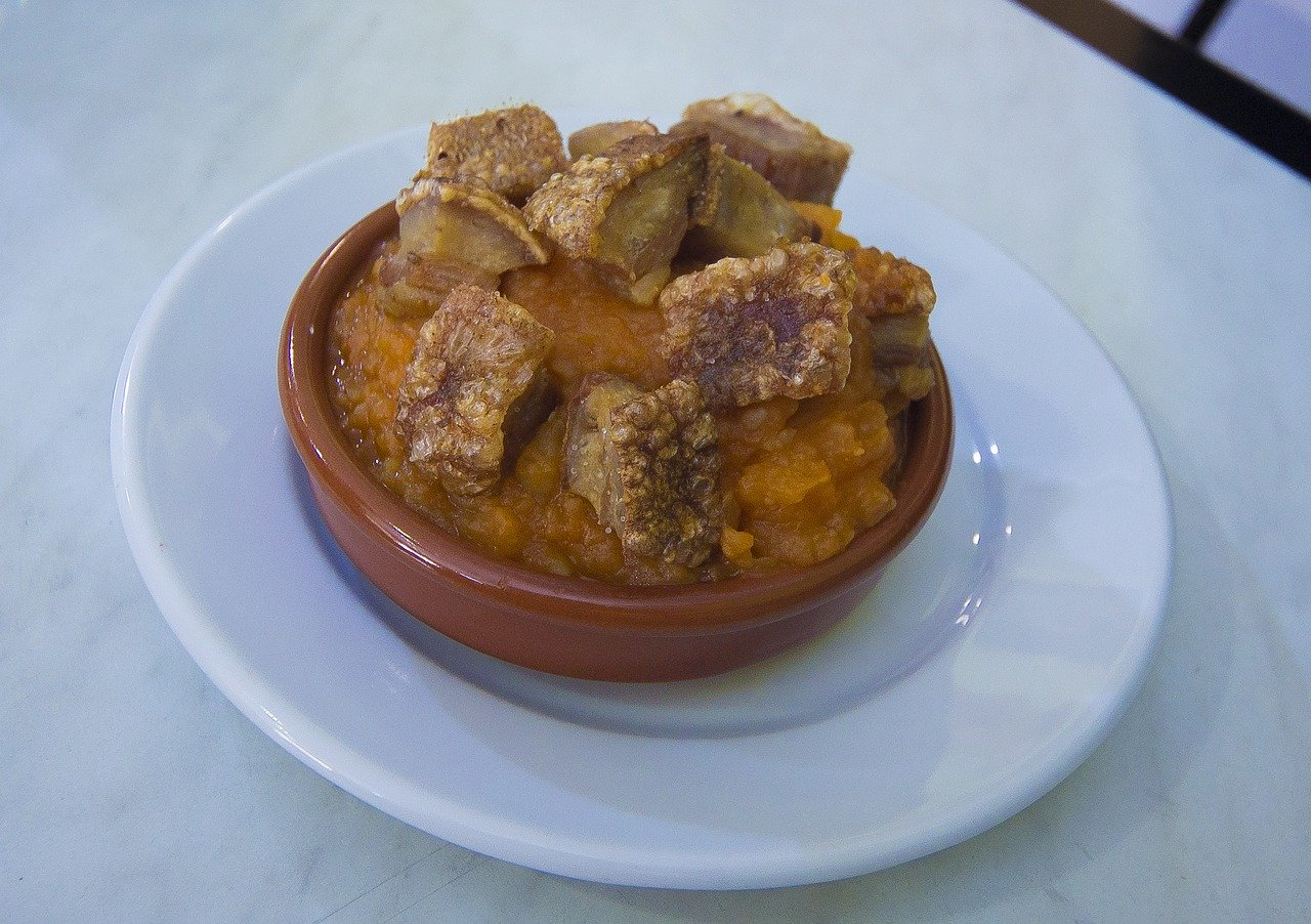 Las típicas patatas revolconas