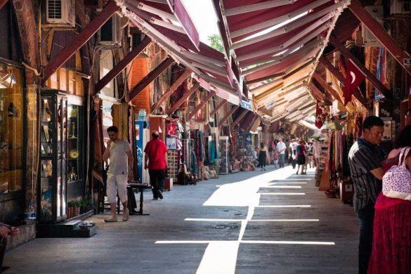 Arasta Bazaar es el más tranquilo de los mercados para recorrer de Estambul