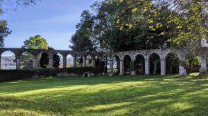 Arcos del Convento de San Luis, en San Vicente de la Barquera