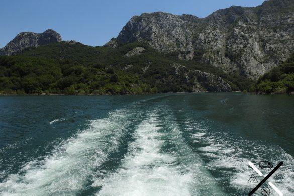 El crucero por el embalse de Riaño te permite ver las montañas leonesas desde todas las perspectivas