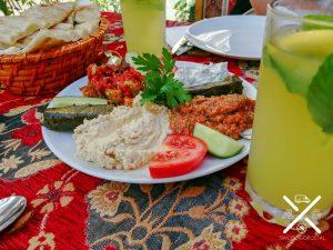 En el Bazar de las Especias decidimos quedarnos a comer para coger fuerzas, y que gran acierto