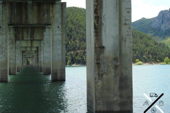 Podréis cruzar por debajo del famoso puente