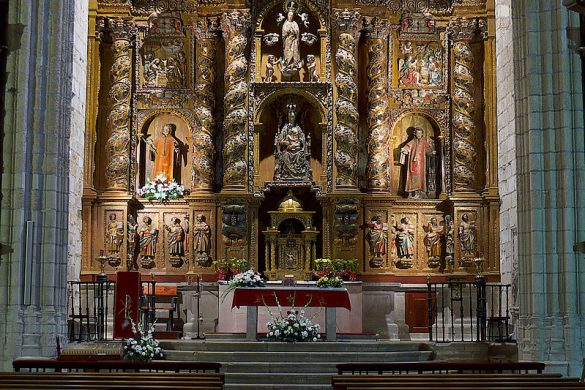Retablo mayor de la iglesia de San Vicente Fuente-Jose Luis Filpo