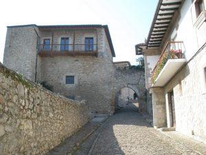 Subida a la Torre del Preboste en San Vicente de la Barquera Fuente-Zarateman