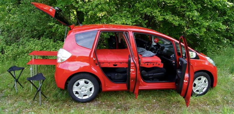 Un mini coche se puede convertir fácilmente en una mini camper