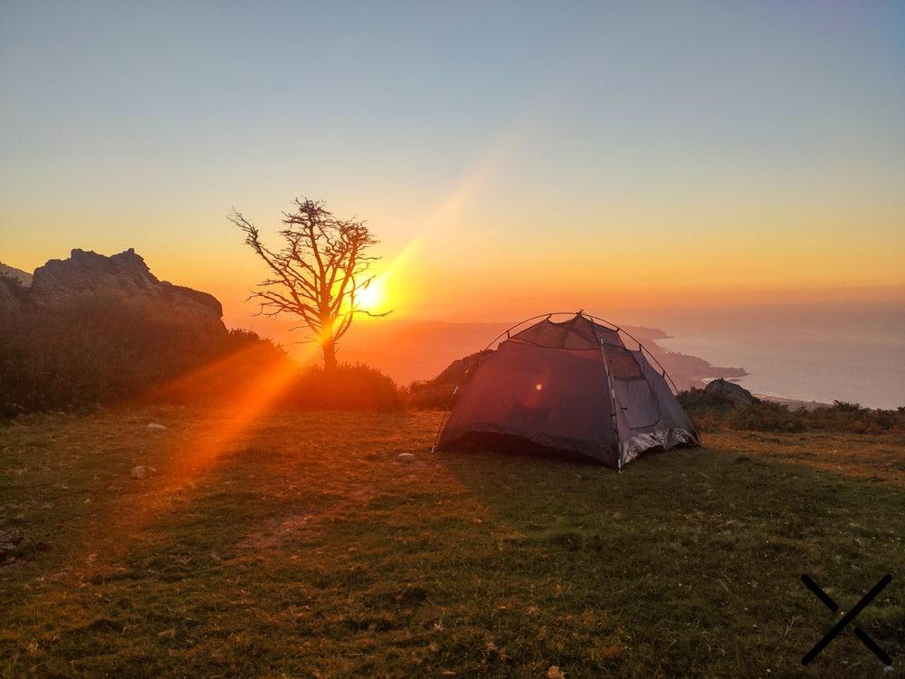 Buena tienda de campaña para acampada