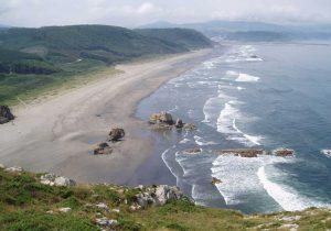 Playa oficial para perros en Asturias, Playón de Bayas o Sablón