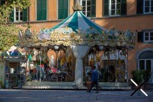 Tiovivo Plaza Napoleón Lucca