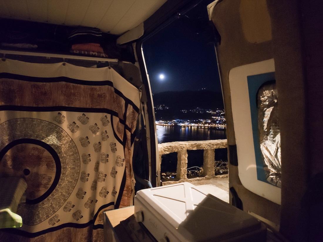 Imagen de noche desde el monte de Santa Tecla