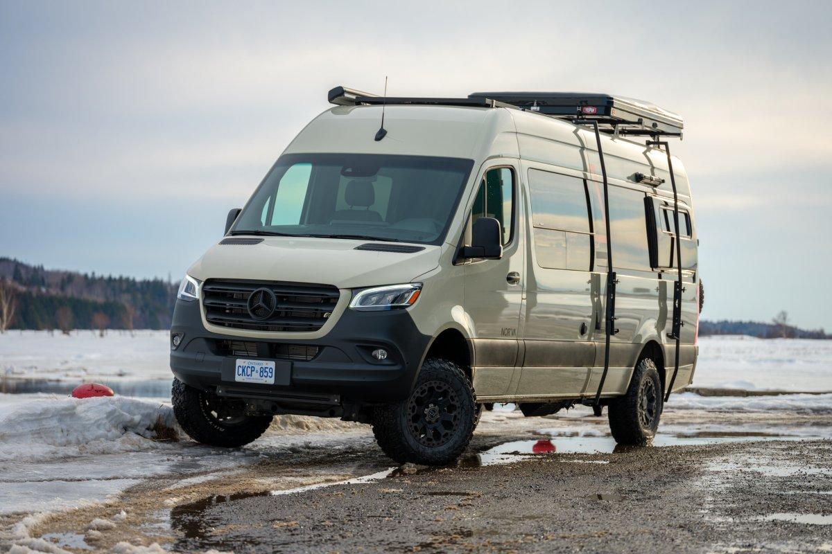 Una furgoneta 4x4 permite llegar más alla