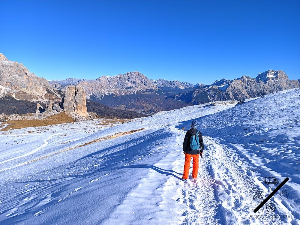 Conjunto Cinque Torri Dolomitas Italia