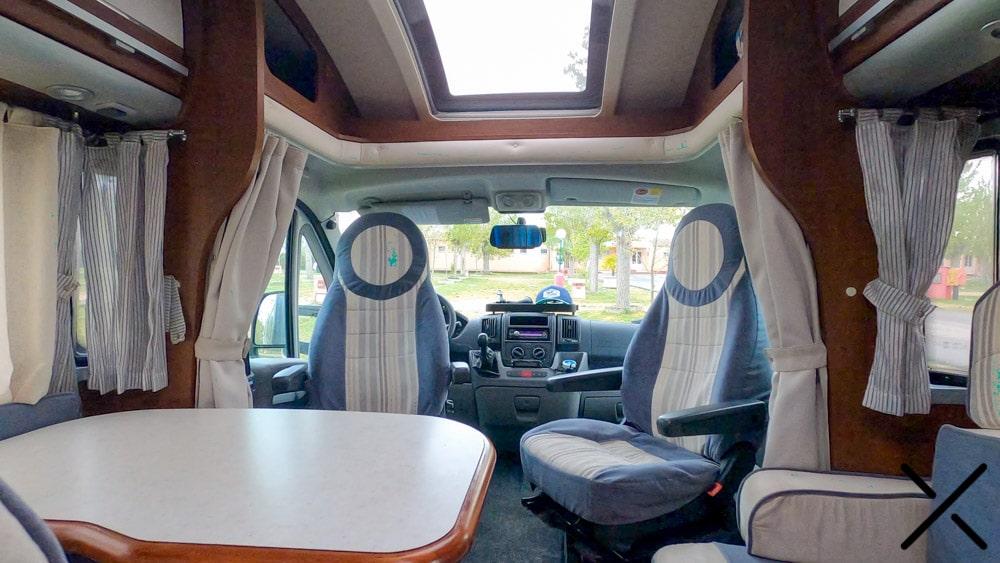 Interior de una autocaravana