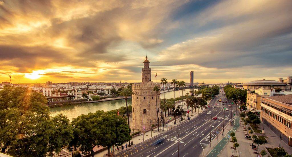 Sevilla en autocaravana, Torre del Oro