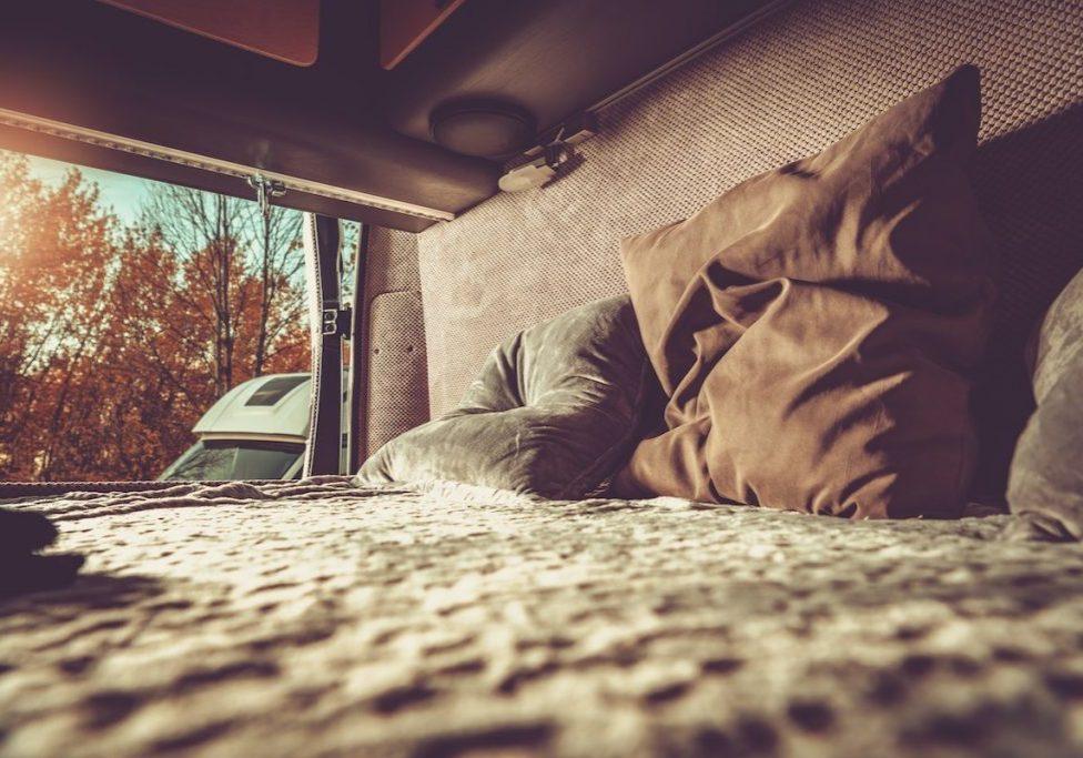 Cama y colchón camper